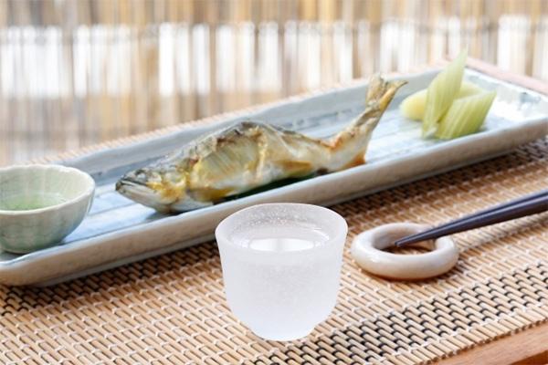 焼き魚と日本酒